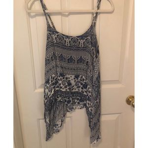 Blue and white pattern tank